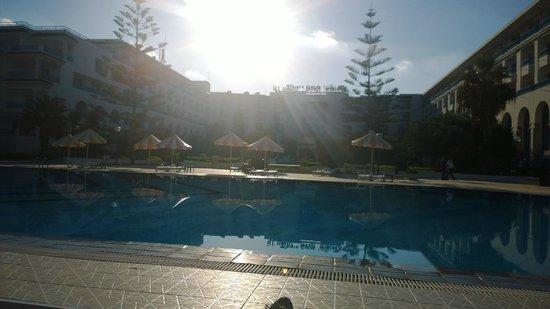 Hôtel Riviera Resort : sunny pool