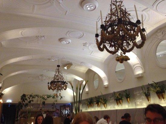 TIAN Restaurant Wien: ambiente