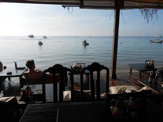 Sairee Cottage Diving Restaurant: Sairee Cottage Restaurant - beach view
