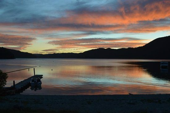 Lakes Lodge Okataina : Spectacular sunsets