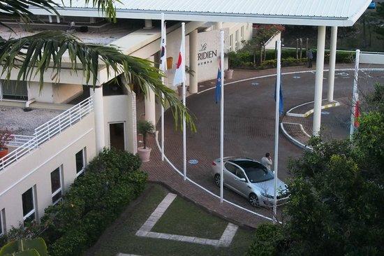 Le Meridien Noumea: Hotel Main Entrance