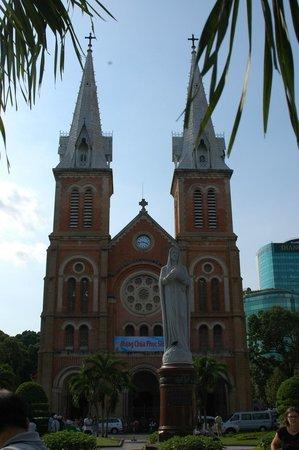 Saigon Notre Dame Cathedral: Notre Dame Basilica