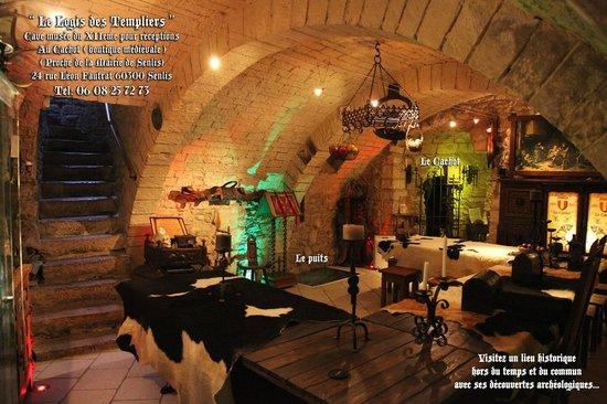Senlis, Frankrig: visitez la cave romane/Musée avec ses découvertes archéologiques du XIIeme et XVIIeme siecle.
