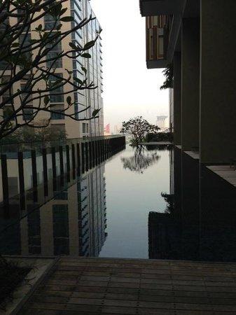 Hansar Bangkok Hotel: Infinite pool