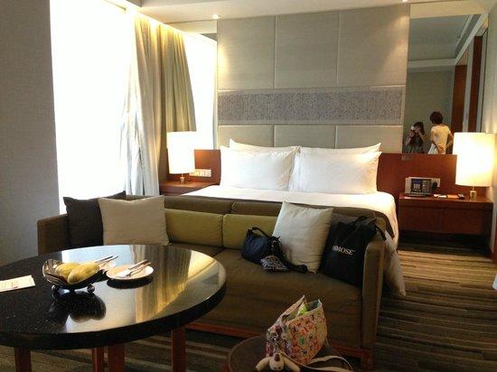 Hansar Bangkok Hotel: Bedroom