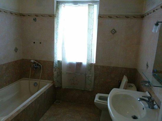 The Trevene Hotel : Il bagno