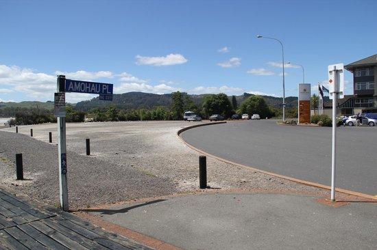 Millennium Hotel Rotorua: behind the hotel