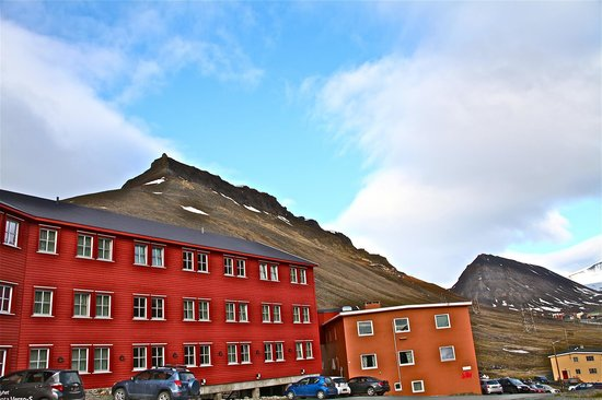 Spitsbergen Hotel: taken from the hotel site at 3 am