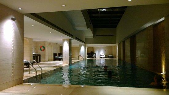 Fairmont Peace Hotel: Pool view