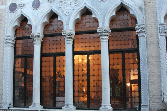 B&B Cristina : View from the window to the near Palazzo