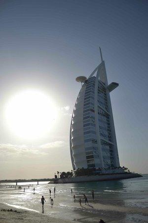Jumeirah Emirates Towers: site de plage avec vue sur le Burj Al Arab