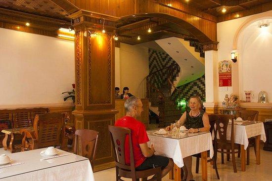 Homestay Hoa Mau Don: RESTAURANT
