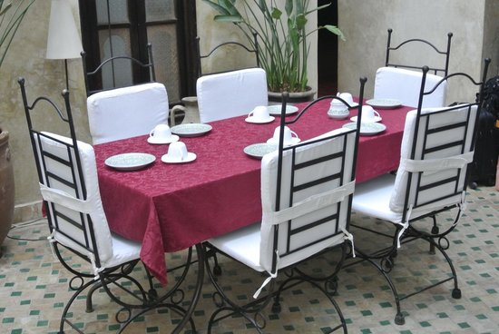 Riad Aguerzame : Courtyard