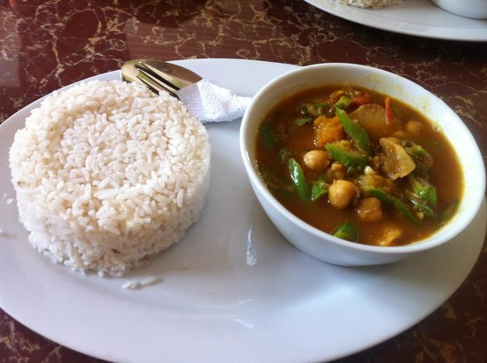 Brujita Bar and Restaurant : Chickpea and mung bean curry