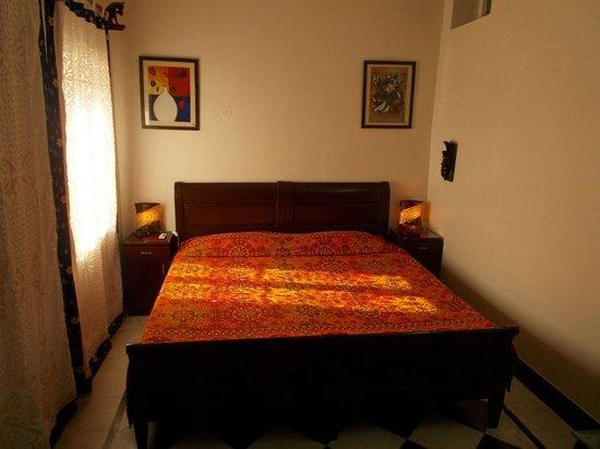Hotel Bharat Villas : le lit