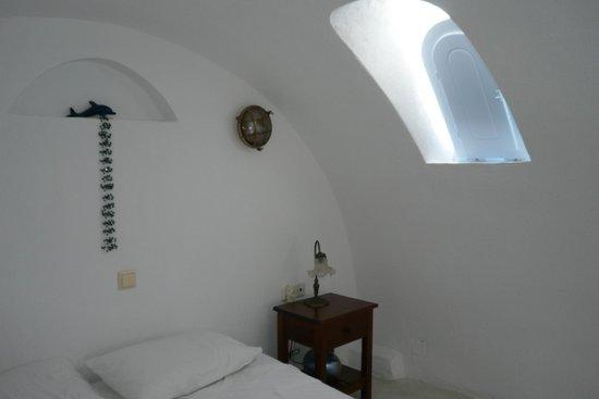 Heliades Apartments : room