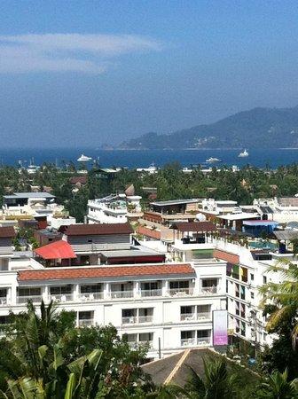 Ocean View Phuket Hotel: vue de la chambre