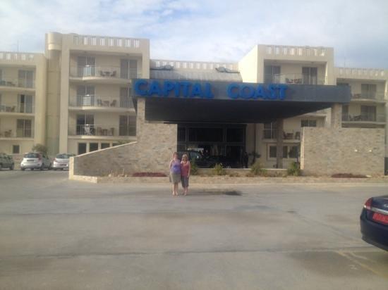 Capital Coast Resort & Spa: Capital Coast Resort and Spa - from car park looking towards main entrance - Jan 3rd 2014