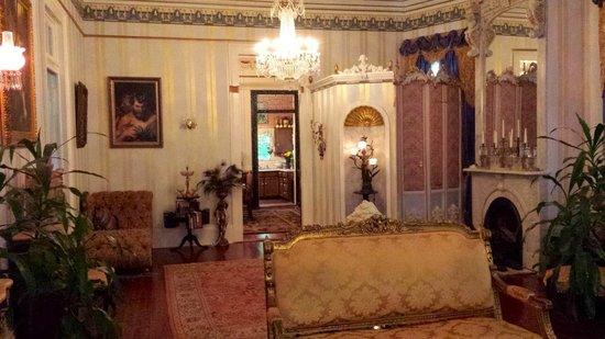 Antebellum Guest House: First Floor