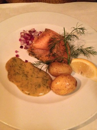 Polpette: worst gravad lax ever. (raw onion? are you serious?)