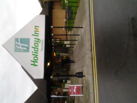 Holiday Inn Taunton M5, Jct. 25: Inn Entrance