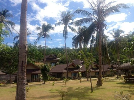 Two Seasons Coron Island Resort & Spa: View of the villas, which face the sea