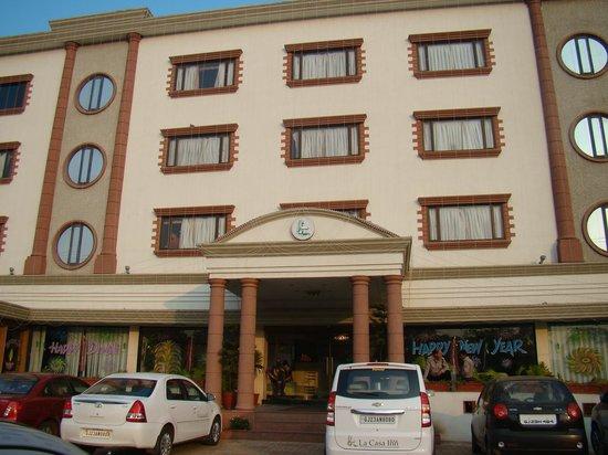 La Casa Inn: View of the hotel