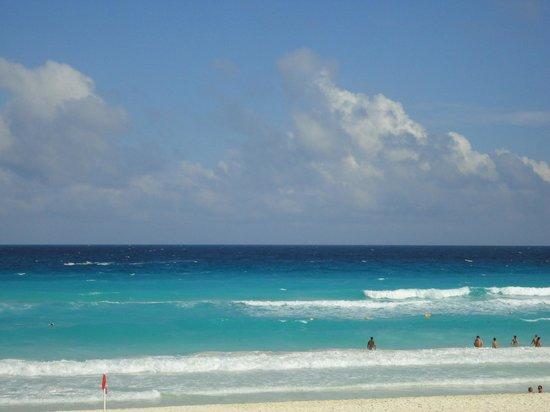 Secrets The Vine Cancun: Beach