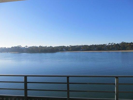 Le Pavillon Bleu: Vista del lago