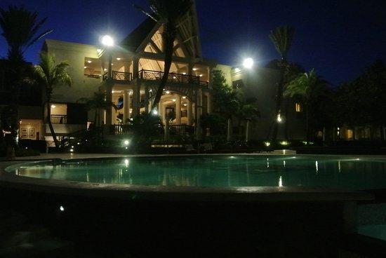 The Residence Mauritius: Pool & Lobby