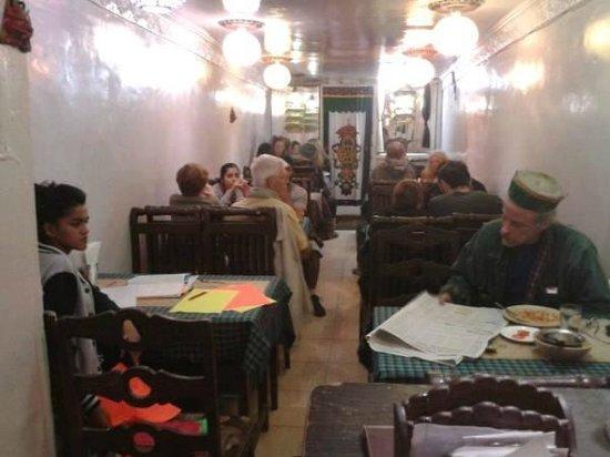 Malabar Restaurant : Westerns enjoying Indian food