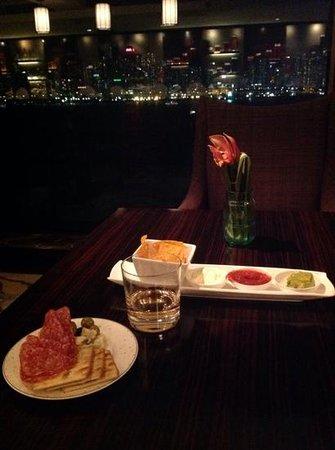 Kowloon Shangri-La Hong Kong: Exec floor lounge