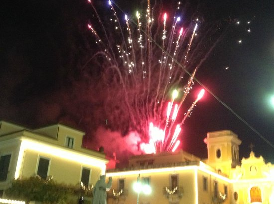 Piazza Tasso : Spari pirotecnici