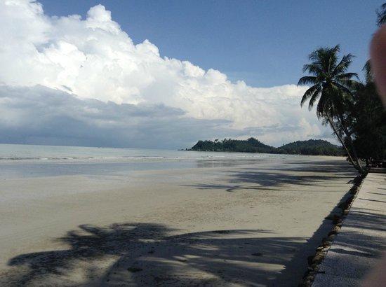 Santhiya Tree Koh Chang Resort: Schöne Aussicht bei gutem Wetter
