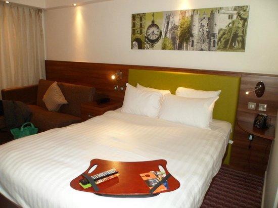 Hampton by Hilton York: Comfy room