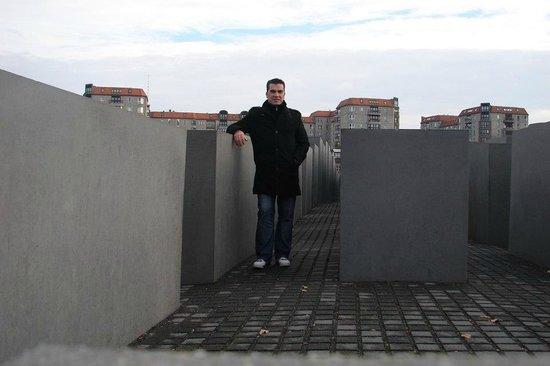 Mémorial aux Juifs assassinés d'Europe : Memorial
