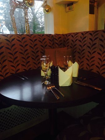 Rootz Brasserie: Table lay out