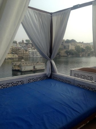 Lake Pichola Hotel: View from the resturant