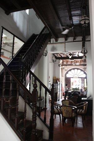 Heeren House: Stairs
