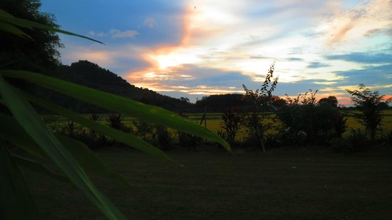 Sunset Valley Holiday Houses : One of many beautiful sunsets