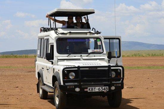 Australken Tours & Travel: Australken Landrover