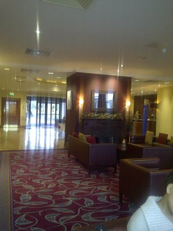 Hilton Belfast Templepatrick Golf & Country Club: The Lobby