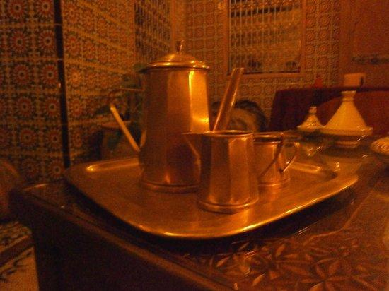 DAR Sabrina WA Tourate : service à thé des années 20-30