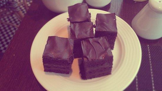 Radisson Blu Royal Astorija Hotel, Vilnius: очень советую попробовать эти пирожные за завтраком!!