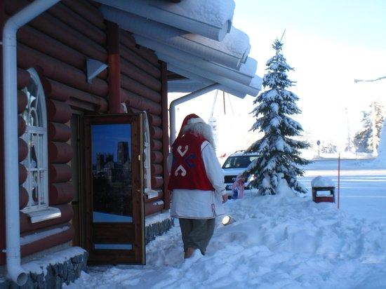 Santa Claus Holiday Village: サンタの休憩タイム