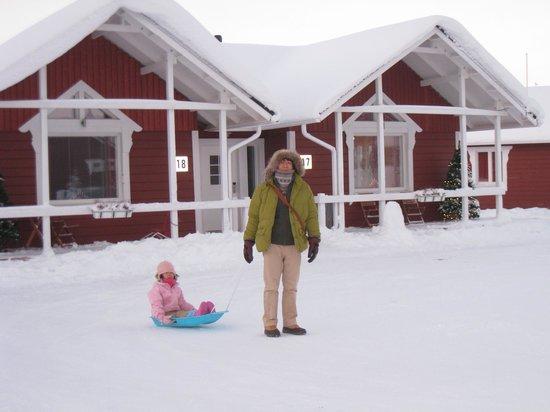 Santa Claus Holiday Village: コテージ外観