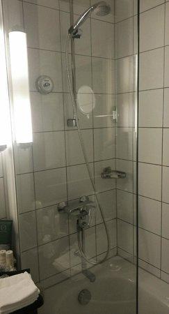 Radisson Blu Royal Astorija Hotel, Vilnius: ванная, а не душевая кабинка - это замечательно