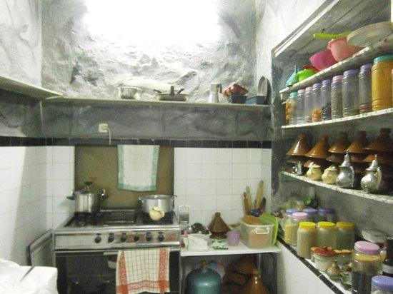 DAR Sabrina WA Tourate: La cuisine