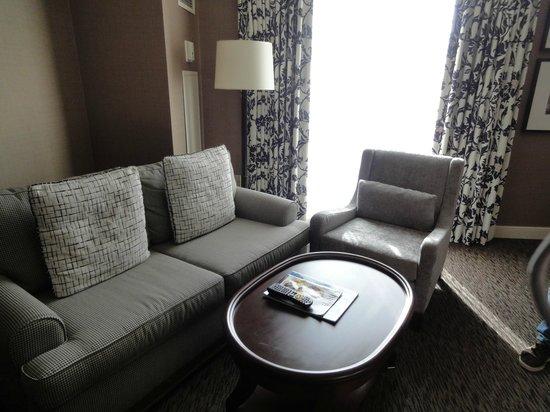 InterContinental Toronto Yorkville: Sofas and furnishings