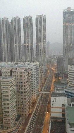 Dorsett Mongkok Hong Kong : early morning out my window